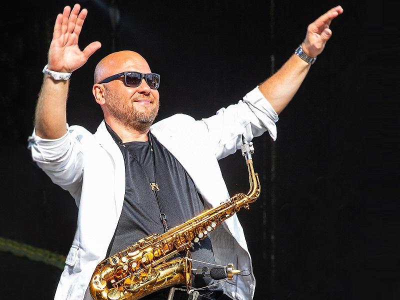 Джаз smooth jazz саксофонист Александр Довгополый вокалистка приятные мелодии концерт в Москве