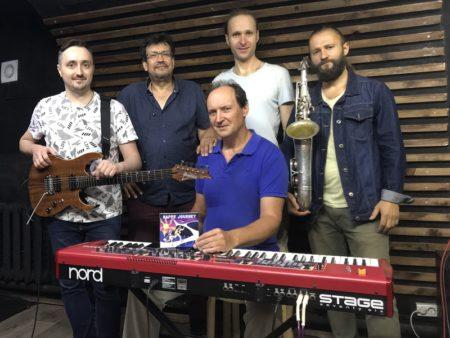 джаз-бэнд фьюжн латино кроссовер клавишник красивые мелодии билеты на концерт в Москве