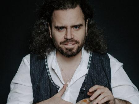 кофопулос греческий музыкант певец этника концерт в москве послушать зарубежного исполнителя провести вечер