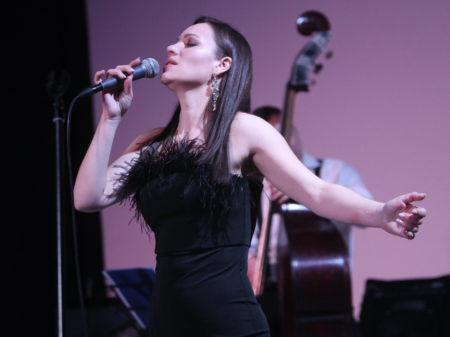 вокалистка алина войская лучшие джазовые музыканты джазовый концерт в центре москвы авторская музыка