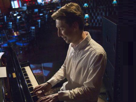джаз ECМ классика piano trio Арсений Рыков рояль контрабас ударные восходящая звезда постоянный резидент концерт в Москве